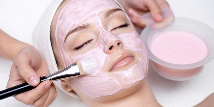 How to properly apply face mask